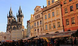 Die Goldene Stadt & ihre Umgebung